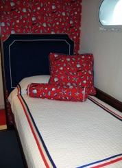 yacht-bedroom